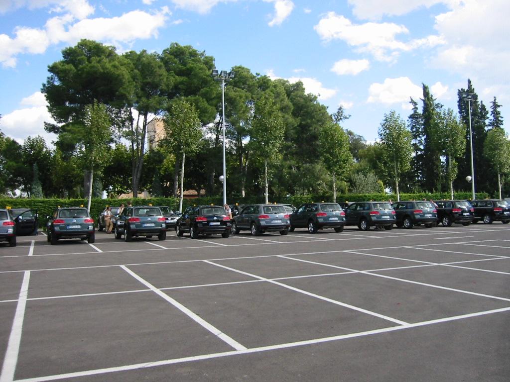 Jardin pour v nements tarragone la boella tarragone for Parking exterieur