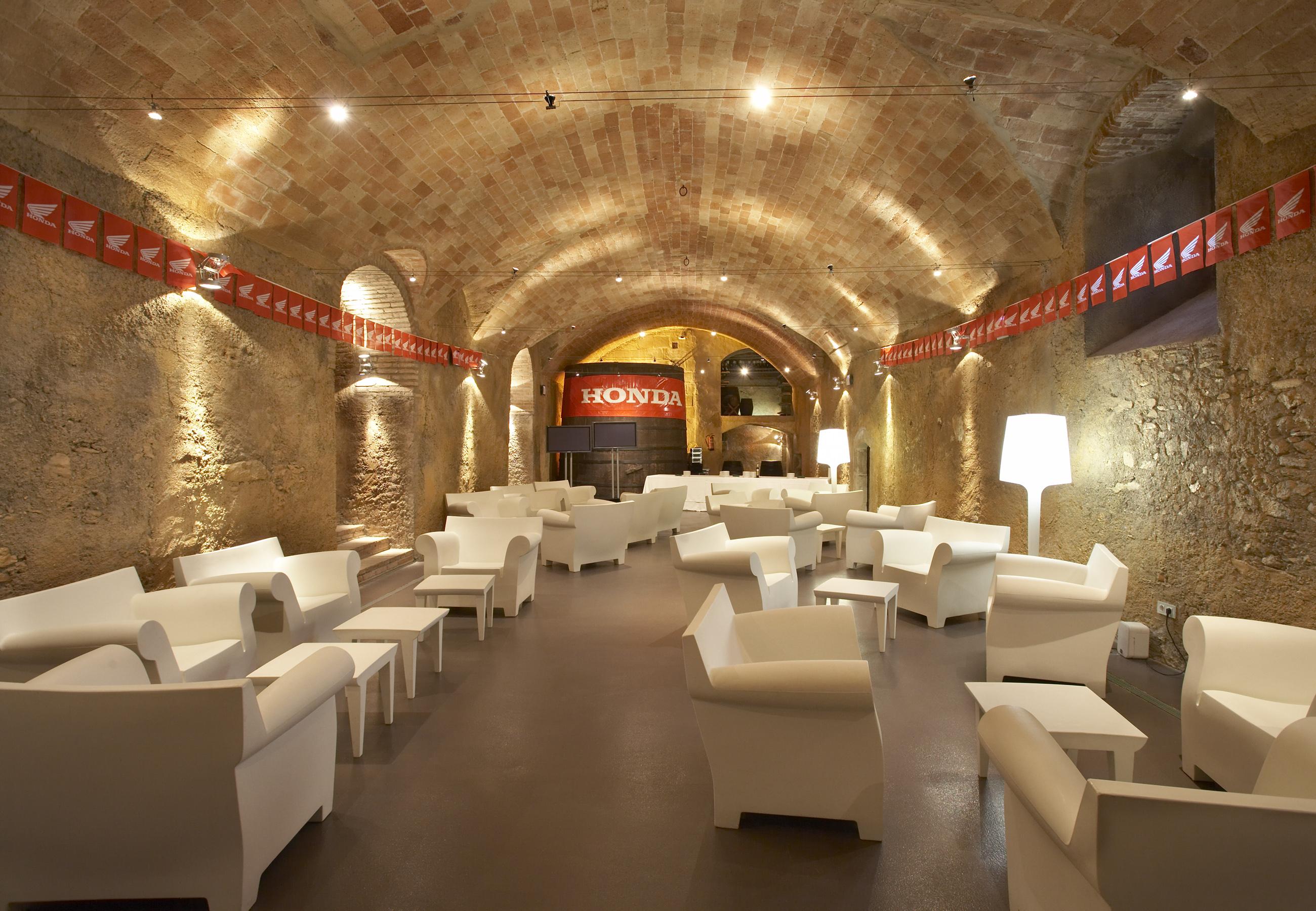 Reuniones de empresa en tarragona la boella tarragona for Actividades de salon