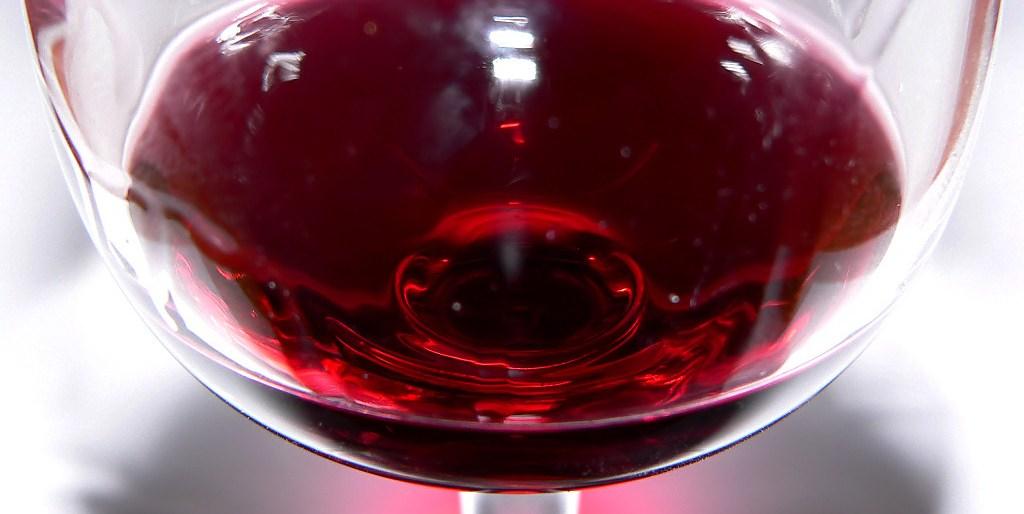 Como servir vino