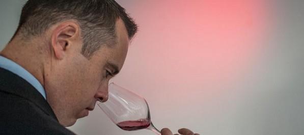 Cómo catar un vino - fase olfativa de la cata de vinos