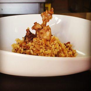 arroz de conejo con setas del restaurante la boella