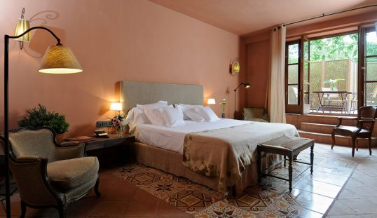 Habitación de hotel con encanto en Tarragona Mas La Boella