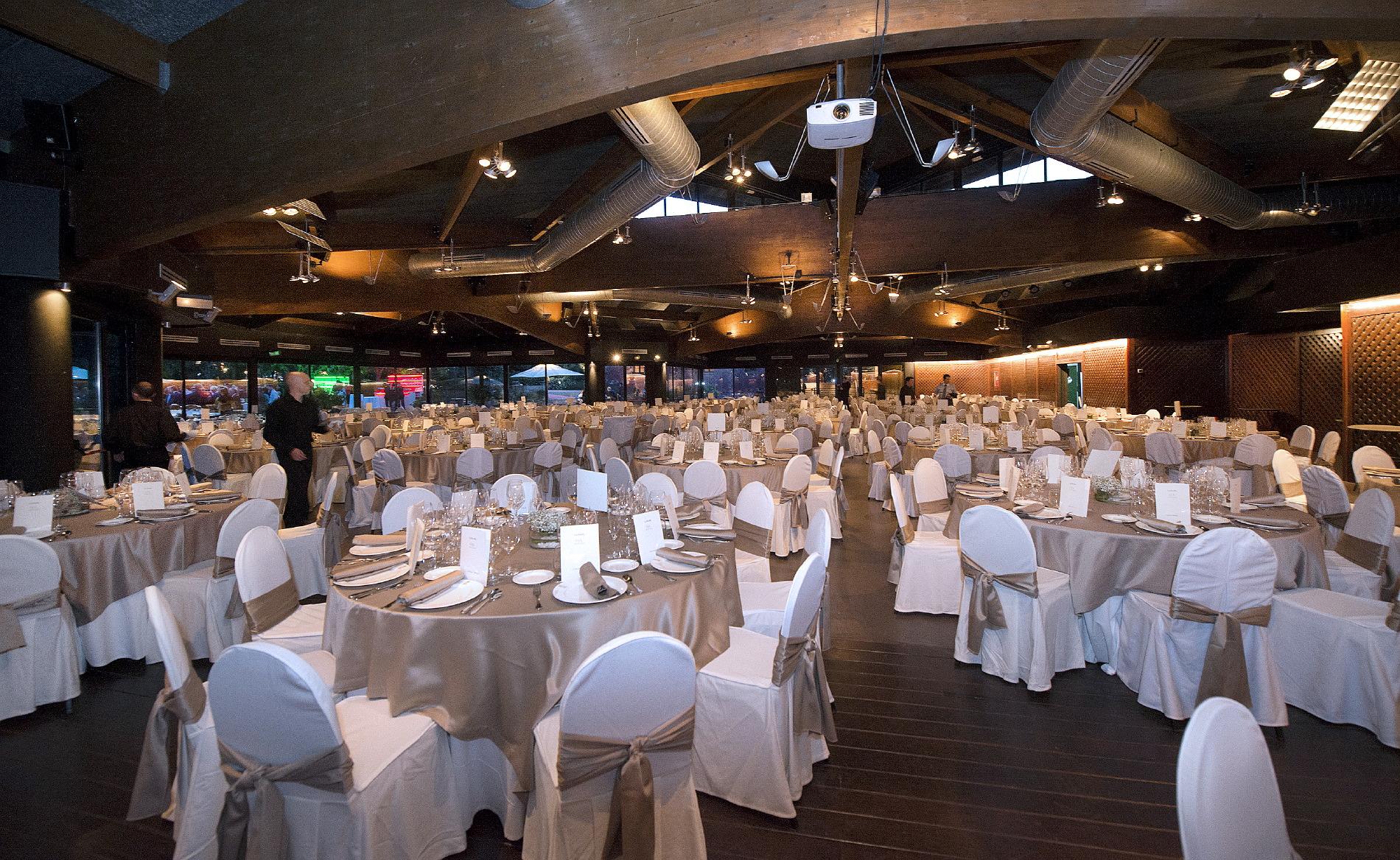 Distribución mesas en evento Hotel Mas La Boella