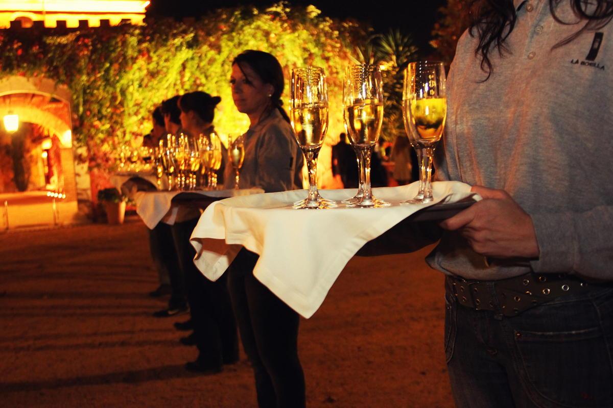 Asistencia en el coctel Hotel Mas La Boella