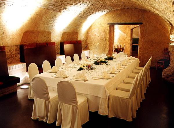 Banquete en salón dorado La Boella Tarragona
