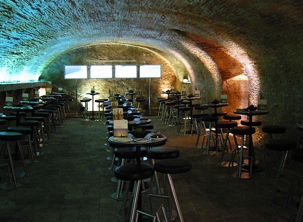 Mesas para celebración en Salón Dorado La Boella Tarragona