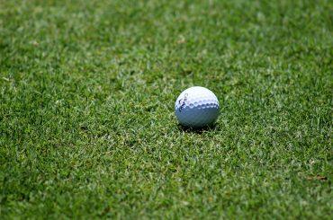 Jugar al golf en Tarragona
