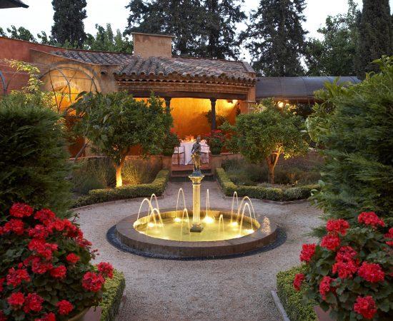 Restaurante La Boella con jardín y terraza en Tarragona