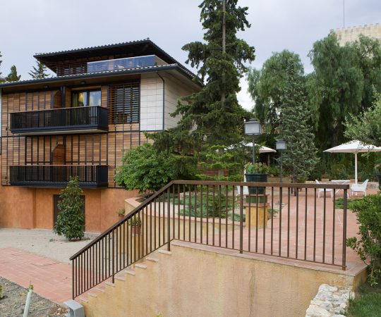 Hotel con jardín y piscina La Boella