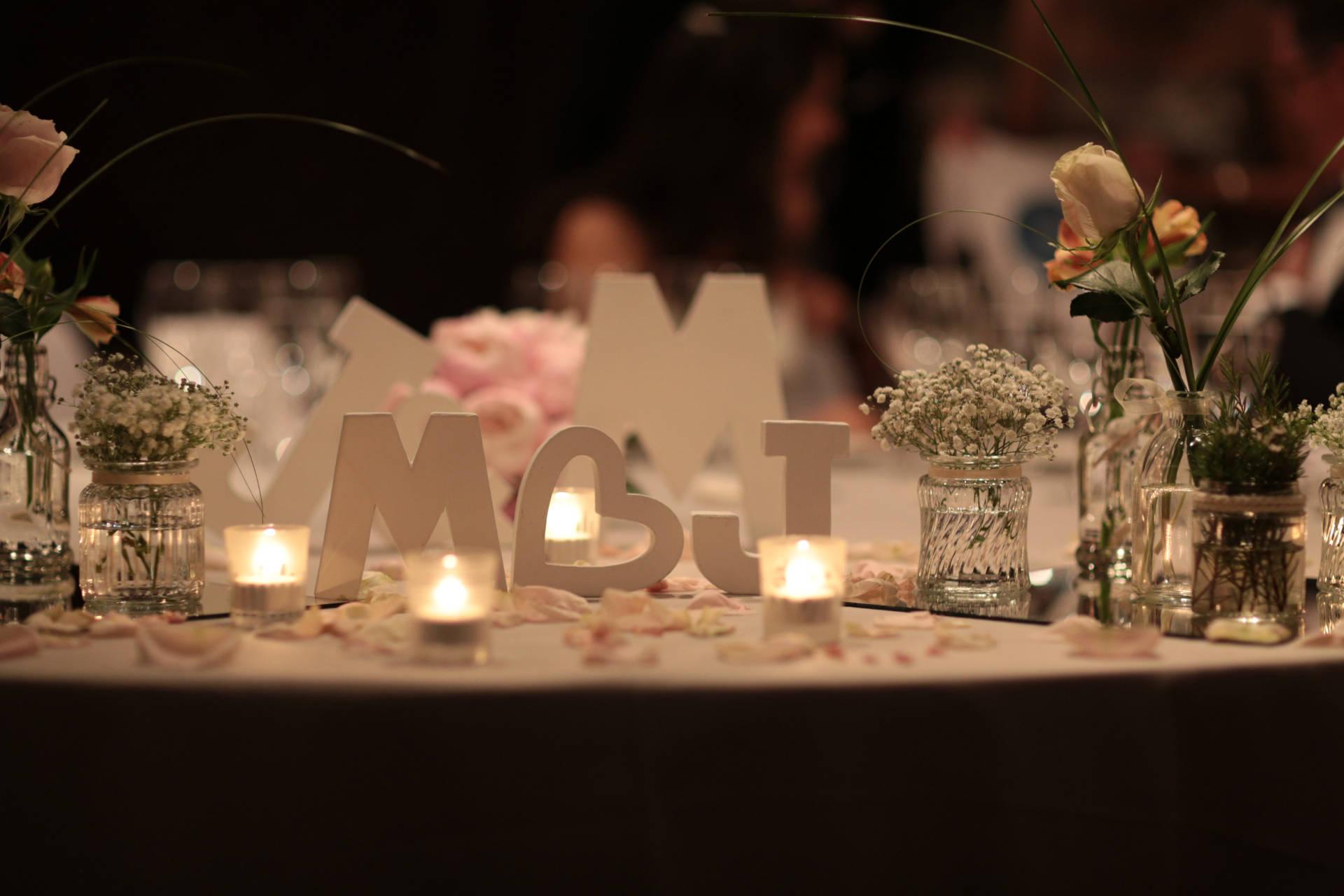 Decoración creativa mesa de invitados