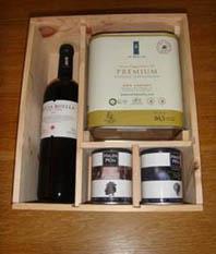 LOTE 4 Vino, sales y aceite de oliva La Boella
