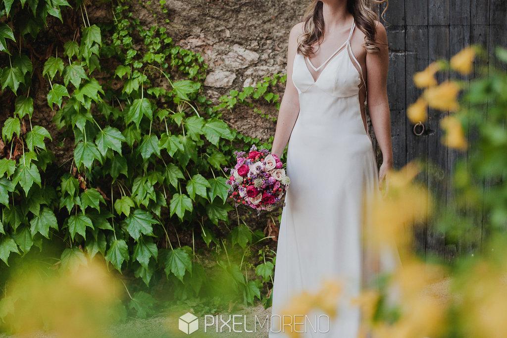 Novia con el ramo de flores